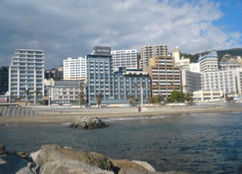 ホテル前の海の風景
